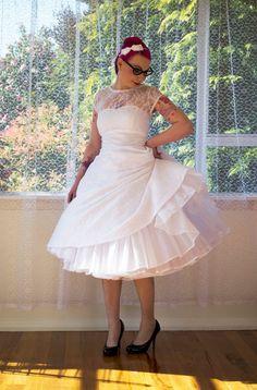 Lacey Tea Length Skirt, Tea Length Dresses, Pin Up, Rockabilly Wedding Dresses, Plus Size Rockabilly, Rockabilly Style, Figure Flattering Dresses, Taffeta Skirt, Tea Length Wedding Dress
