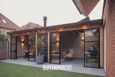 Garden Veranda Ideas, Getaway Cabins, Outdoor Living, Outdoor Decor, Patio Design, Animal Shelter, Garden Inspiration, Mosaic Glass, Pergola