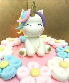 Me gusta, 5 comentarios - KuDi - Cake Desgin (KuDi - Cake Design) en Instagra. - Me gusta, 5 comentarios - KuDi - Cake Desgin (KuDi - Cake Design) en Instagra. Decors Pate A Sucre, Birthday Cake With Flowers, Fondant Animals, Unicorn Cake Topper, Unicorn Cakes, Fondant Figures, Unicorn Birthday Parties, Cake Birthday, Beautiful Cakes