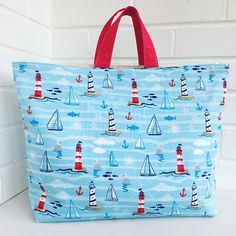 ideas for sewing diy easy tote bags Sewing Hacks, Sewing Tutorials, Sewing Crafts, Sewing Tips, Bags Sewing, Tote Bag Tutorials, Tote Tutorial, Fabric Sewing, Sewing Dolls