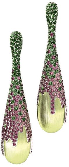 Earrings in 18k gold with gemstones rhodolite and passion topaz rainforest by Almaz Holding.