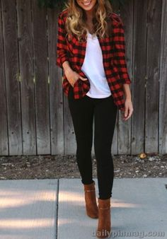 24 Women Fall Fashion Trends for 2019 One of the best things regarding girls fall fashion trends for 2019 is that they're refined while not lacking interest and Girls Fall Fashion, Winter Fashion Outfits, Fall Fashion Trends, Fall Winter Outfits, Autumn Fashion, Teenager Fashion, Winter Flannel Outfits, Winter Fashion Women, Women Fashion Casual