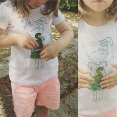 MicasTricas playful t-shirts! Lovely pictures from sunny Portugal. Have a great week full of good energy!  #micastricas #silkscreen #handmade #handprint #giftideas #kidsfashion #rotterdam #portugal  #kidstoys