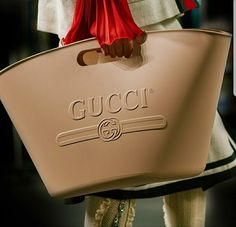 The House Vintage Logo #RubberBag #Gucci #GucciSummer18
