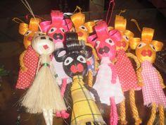 bonevas Christmas Ornaments, Holiday Decor, Home Decor, Manualidades, Decoration Home, Room Decor, Christmas Jewelry, Christmas Decorations, Home Interior Design