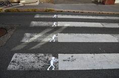 ヒビ割れ、タイル、街中の物をなんでも利用したOaKoAkによるストリートアート写真その2 26枚
