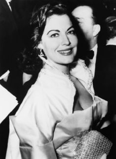 1935, AVA GARDNER ATTENDING THE PREMIERE OF THE FILM THE COLDITZ STORY