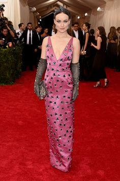 Pin for Later: Relive All the Glamour From Last Year's Met Gala Red Carpet Olivia Wilde The actress wowed in a plunging gown and gloves.