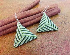 Green woman earrings//triangle earrings//striped earrings//gift ideas for her Seed Bead Earrings, Unique Earrings, Beaded Earrings, Triangle Earrings, Striped Earrings, Beaded Jewelry Designs, Diy Necklace, Triangles, Bracelets