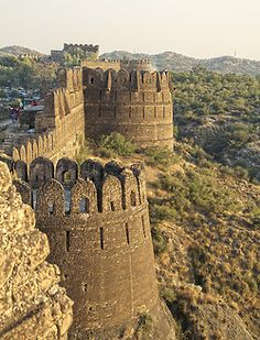 visitheworld:  The walls of Rohtas Fort in Punjab, Pakistan