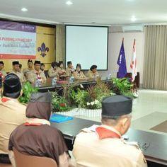 """JAKARTA – Sebagai langkah nyata meningkatkan kualitas pendidikan Kepramukaan, Pusat Pendidikan dan Pelatihan Nasional (Pusdiklatnas) Kwartir Nasional Gerakan Pramuka menyelenggarakan Pelatihan Pembina Pramuka tingkat Nasional, di Taman Rekreasi Wiladatika Cibubur, Jakarta. Kegiatan bertema """"ikhlas Bakti Bina Bangsa Ber Budi Bawa Laksana"""" ini diikuti 60 peserta Pembina Pramuka dari 17 Kwarda atau Provinsi. Kepala PusdiklatnasKwarnas,Prof. Dr. …"""