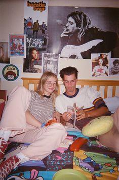 couple aesthetic Aesthetic Bedroom Grunge The Conspiracy 247 Art Hoe Aesthetic, Couple Aesthetic, Aesthetic Room Decor, Aesthetic Grunge, Aesthetic Vintage, College Aesthetic, White Aesthetic, Sala Grunge, Grunge Art