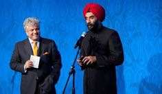 Mohanbir Sawhney, Professor of Technology at Kellogg School of Management, accepts Light of India Award for Academics (People's Choice). Photo: www.michaeltoolan.com.