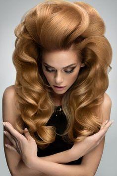 coiffure longue ondulee blonde cendree