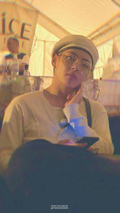 Park Jungkook who is the younger brother of famous model Park Jimin. Life is same for jungkook until he meet jimin's friend Kim Taehyung Who is a pianist. Bts Taehyung, Kim Namjoon, Bts Bangtan Boy, Bts Boys, Daegu, Foto Bts, Bts Photo, Taekook, Kpop