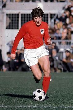 Retro Football, Vintage Football, Match Of The Day, Back In The Day, English Football Teams, Emlyn Hughes, England Football, Big Men, Liverpool Fc