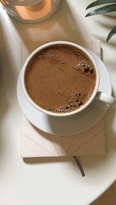 Pin by ismail on çay kahve in 2020 Coffee Shot, Coffee Cafe, Coffee Humor, Coffee Drinks, Starbucks Coffee, Coffee Mugs, Coffee Is Life, I Love Coffee, Coffee Break