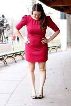 Fashion: 18 week bumpdate + my favorite new @julielopezshoes that add a little sparkle to my life!