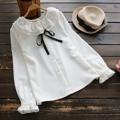 Hijab Fashion, Korean Fashion, Fashion Dresses, Weeding Guest Outfit, Gharara Designs, Stitching Dresses, Boutique Tops, Kawaii Clothes, Minimalist Fashion