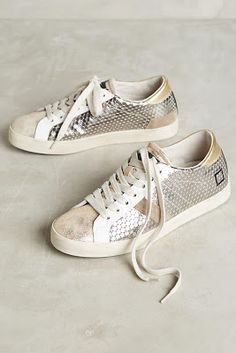 406d971252f7 Being Bohemian  DECEMBER Preview Women s Fashion ACCESSORY and HOME  Favorites at Anthropologie Neue Sneaker