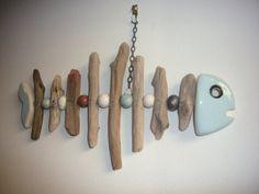 Tête, queue et perles céramique émaillée - Bois flotté