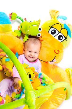 Durante los primeros meses y años de vida, es habitual que los niños y niñas se encariñen con algún objeto especial (un peluche, una mantita, el chupete,…). Este objeto se convierte crucial en dete...