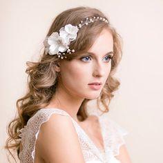 Boda de pelo de vid con flores  flores perla vid
