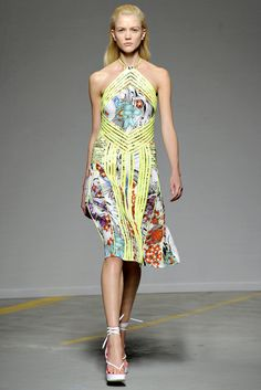 Christopher Kane Spring 2011 Ready-to-Wear - Collection - Gallery - Look 1 - Style.com