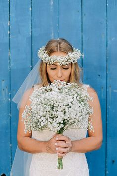 Beleza criada por Daiane Feliciano. O casamento de Emilly e Bruno foi publicado no Euamocasamento.com, e as fotos são de Além Photo. #euamocasamento #NoivasRio