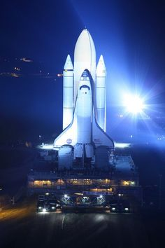 Atlantis Rolls Toward Last Launch #SpaceShuttle  Credit: Alan Walters (awaltersphoto.com) for Universe Today.