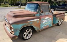 Do you like a patina-themed classic? This 1957 Chevrolet pickup wears amazing patina and looks like a blast! Chevy 3100, Old Ford Trucks, Chevy Pickup Trucks, Gm Trucks, Cool Trucks, Diesel Trucks, Lifted Trucks, 1957 Chevrolet, Chevrolet Trucks