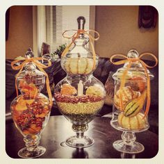 Fall is my favorite time if the year and I will definitely be decorating my house with these! Fall Apothecary Jars, Apothecary Decor, Mason Jars, Bonbon Halloween, Fall Halloween, Halloween Jars, Thanksgiving Decorations, Seasonal Decor, Holiday Decor