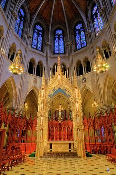 ✯ Sacred Heart Cathedral Alter