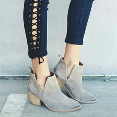Jeffrey campbell Cromwell boot Never worn. Jeffrey Campbell Shoes Ankle Boots & Booties