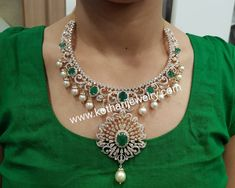 Emerald Diamond Necklace with pearls Diamond Earrings Indian, Diamond Necklace Set, Diamond Choker, Emerald Diamond, Circle Necklace, Stone Necklace, Jewelry Design Earrings, Emerald Jewelry, Diamond Jewelry