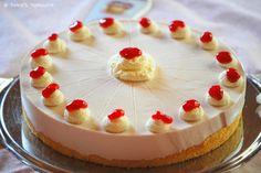 Sommerliche Johannisbeer-Torte mit Creme de Cassis