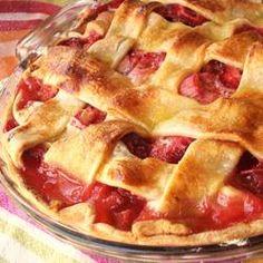 """Rhubarb and Strawberry Pie """"A delicious tart and sweet combination. Nothing tastes better with vanilla ice cream. Fresh or frozen rhubarb may be used. Rhubarb Desserts, Strawberry Rhubarb Pie, Rhubarb Recipes, Pie Recipes, Just Desserts, Delicious Desserts, Dessert Recipes, Yummy Food, Cooking Rhubarb"""
