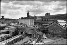 St Pancras Station, the German Gymnasium and buildings behind King's Cross station, 1990 Camden London, Old London, London History, Vintage London, London Photos, Old Buildings, Best Cities, Photo Library, Old Photos