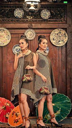 Batik Fashion, Ethnic Fashion, African Fashion, Womens Fashion, Blouse Batik, Batik Dress, Batik Kebaya, Vetement Fashion, African Dress