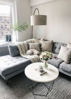 15 Awesome Small Apartment Living Room Design Ideas to Your Inspiration Grey Couch Living Room, Living Room Modern, New Living Room, Trendy Living Rooms, Small Apartment Living Room, Apartment Decor, Living Room Grey, Couches Living Room, Rustic Living Room