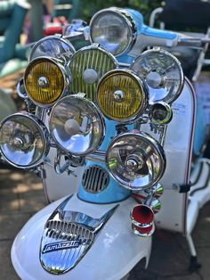 Hayling Island Scooter Rally 2018 : lots of beautiful scooters, sunshine and some crazy people; all the ingredients for a fantastic weekend! #scooter #vespa #lambretta #scomadi #rally #haylingisland