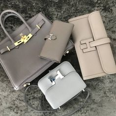 Get schooled in Hermes Birkin vs. Kelly Read our most extensive reference guide to date with features, history, prices, comparisons, and eye candy. Fall Handbags, Hermes Handbags, Replica Handbags, Louis Vuitton Handbags, Purses And Handbags, Hermes Bags, Hermes Birkin, Hermes Bolide, Chanel Bags
