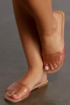 Dressy Flat Sandals, Rope Sandals, Sexy Sandals, Cute Toes, Pretty Toes, Colorful Wedges, Minimalist Shoes, Beautiful Toes, Tory Burch Sandals
