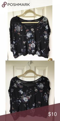Brandy Melville Floral Dolman Top Super cute oversized top. One size fits all. The material is really soft and comfortable. Great condition! Brandy Melville Tops Tees - Short Sleeve