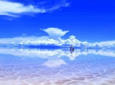 This place may look fake, but it's 100% real. Learn more about the Salar de Uyuni --> http://omgf.ac/ts/fax