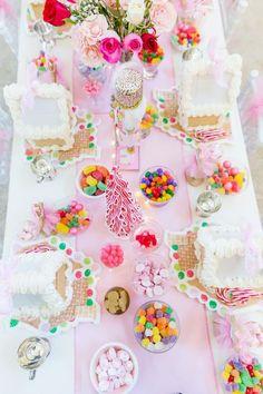 Blakely's Annual Gingerbread House Tea Party Rosa Lebkuchenhaus-Teeparty Christmas Tea Party, Pink Christmas, All Things Christmas, Christmas Time, Merry Christmas, Christmas Crafts, Winter Tea Party, Italian Christmas, Christmas Ideas