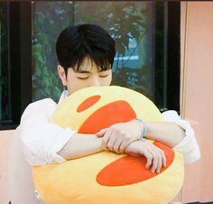 Read Koo Junhoe from the story Idol as your. June as your boyfriend Soft Jooheon, Winwin, Kdrama, Ikon Member, Koo Jun Hoe, Kim Jinhwan, Happy Pills, Korean Artist, Yg Entertainment