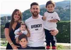 This Pictures Will Prove That Lionel Messi Is A True Travel Freak Messi Fans, Messi 10, Psg, Fc Barcelona, Messi And His Wife, Messi Y Antonella, Fifa, Lionel Messi Family, Antonella Roccuzzo