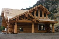 Photos houses, log house of wooden round logs. Timber Frame Homes, Timber House, Wooden House, Diy Log Cabin, Log Cabin Homes, Cabin Design, House Design, Log Home Designs, Wooden Architecture