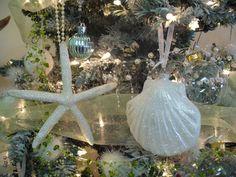 seashore cottage christmas decor | Beach Cottage Decor Finds: Seaside Christmas Tree